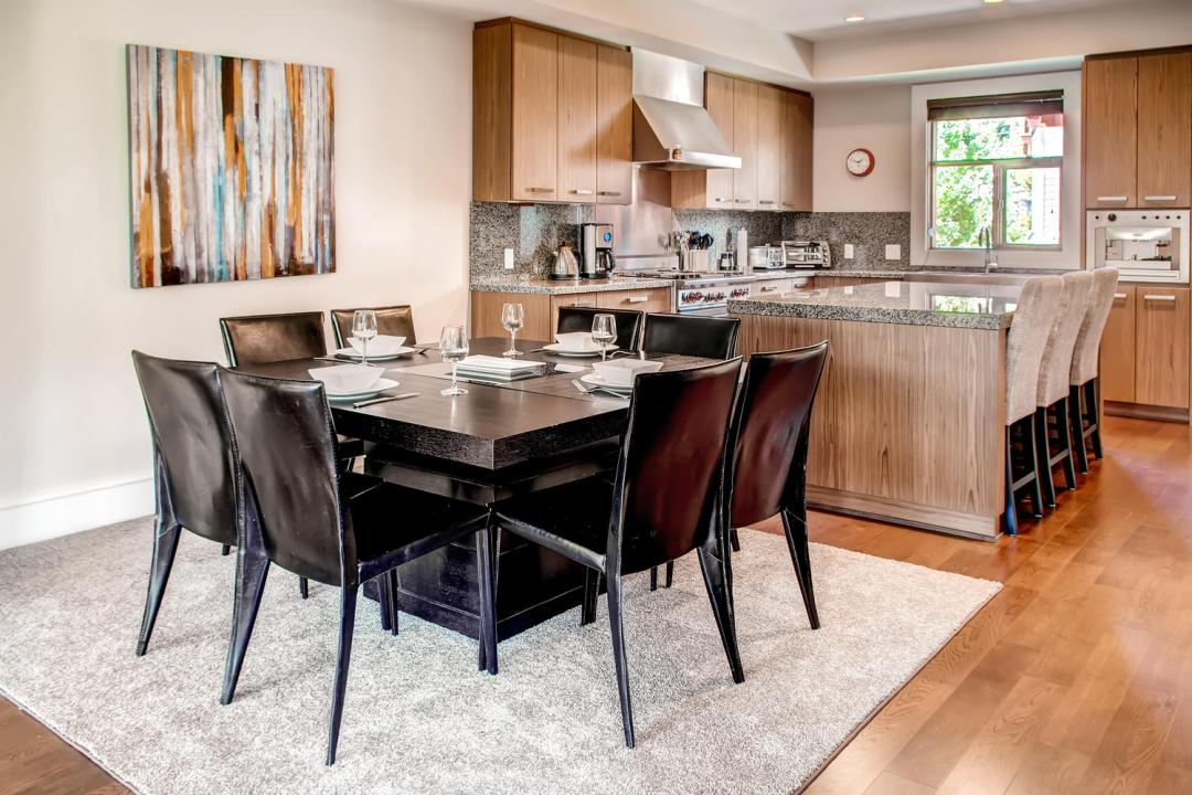 4 Bedroom Fitzsimmons Walk Whistler Luxury Rental (50)