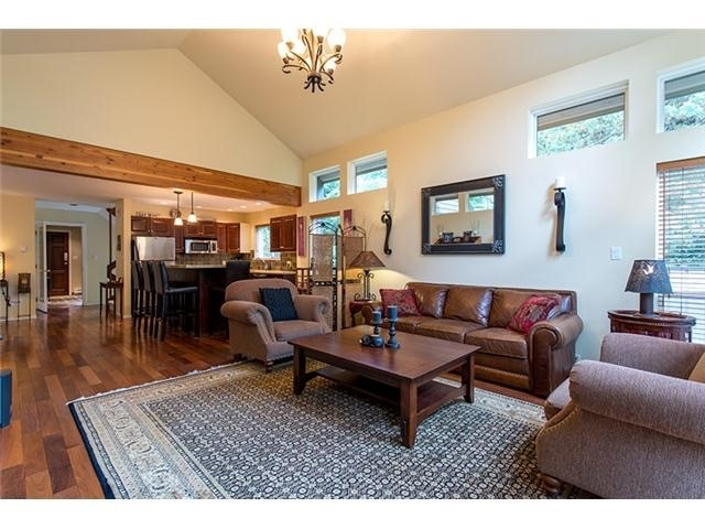 4 Bedroom Long Term Rental Whistler Living Rm