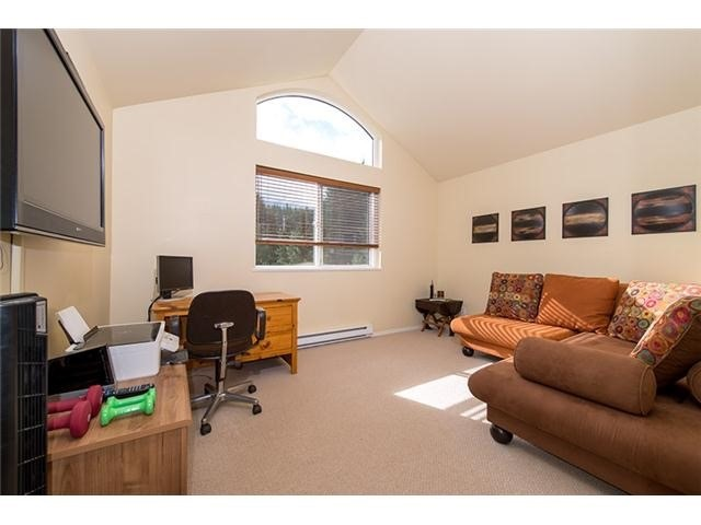 4 Bedroom Long Term Rental Whistler Upper Office Bedroom