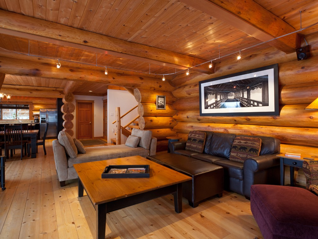 5 Bedroom Snowridge Whistler Ski In Ski Out (5)