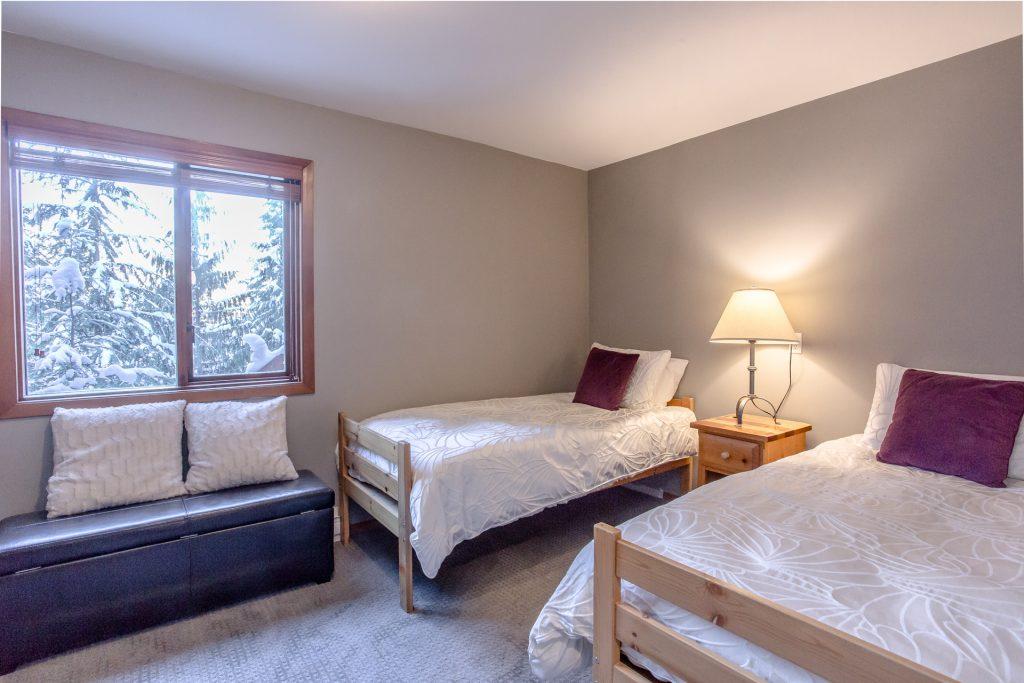 7 Bedroom Whistler Village Home (12)
