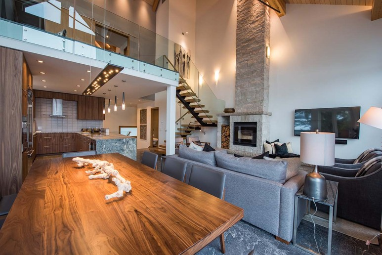 Cedar Ridge Whistler  Luxury Ski In Ski Out