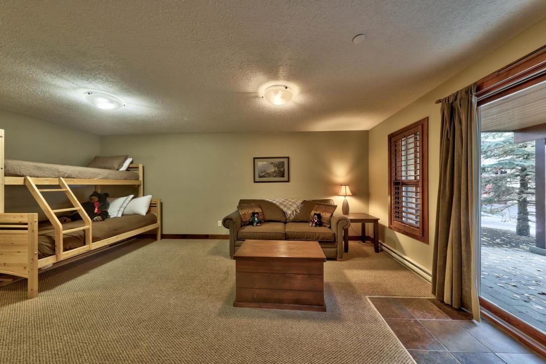 Trapper's Landing 2 Bedroom + Den Unit #7 DEN