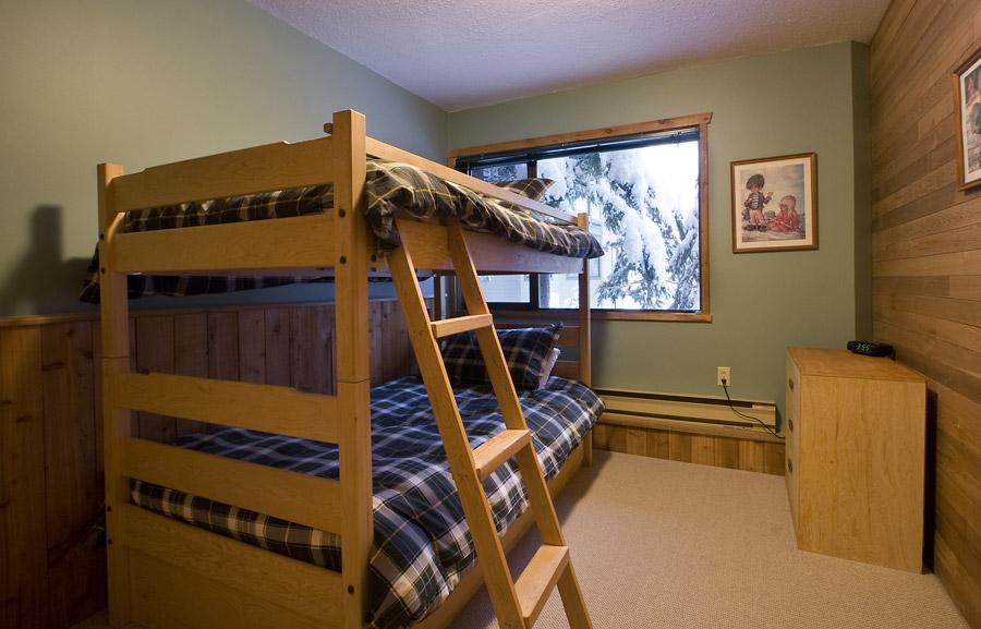 Whistler Village Accommodation - Telemark Bunk Room