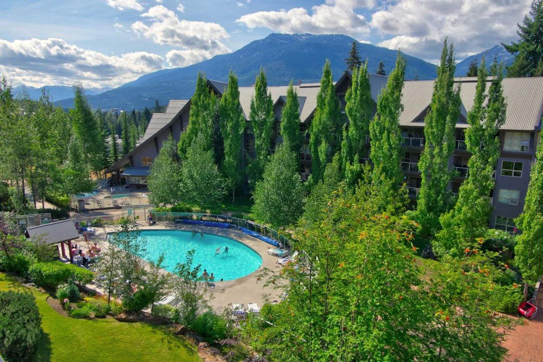 Aspens 1 Bedroom Unit 121 POOL2