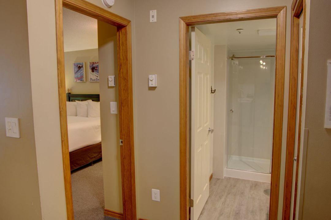 Aspens 1 Bedroom Unit 228 HALL2