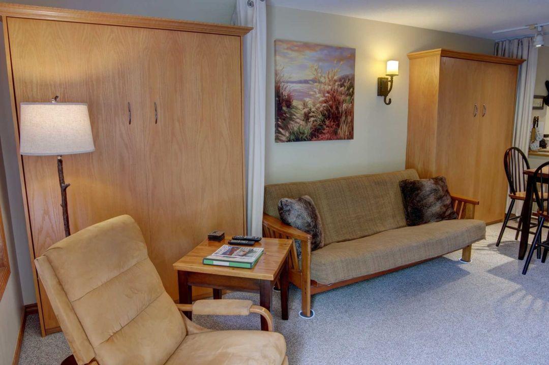 Aspens 1 Bedroom Unit 234 LR3