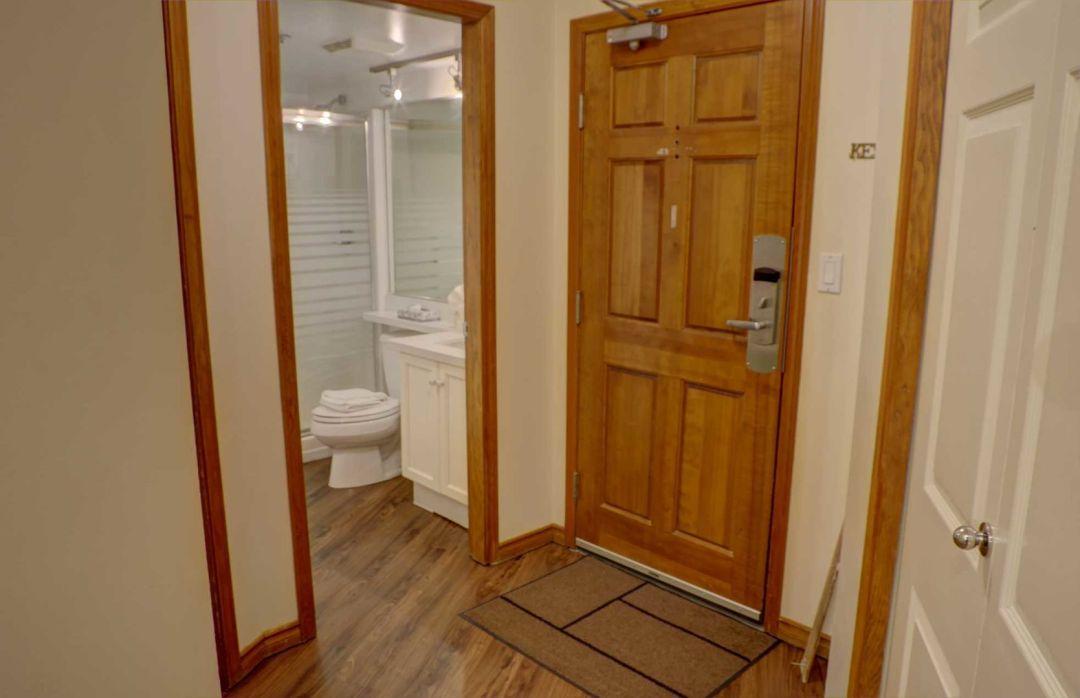 Aspens 2 Bedroom Unit 127 HALL4