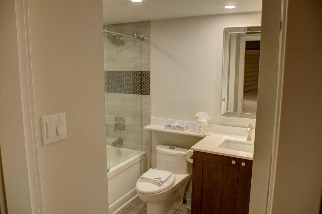 Aspens 2 Bedroom Unit 207 BATH