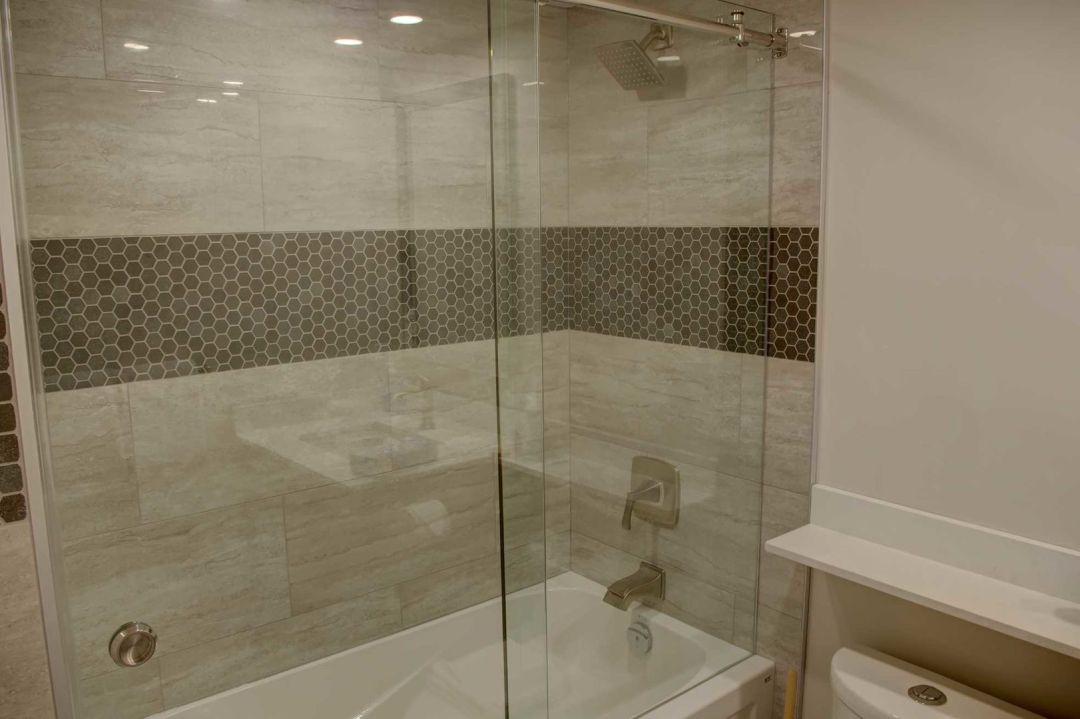 Aspens 2 Bedroom Unit 207 BATH2