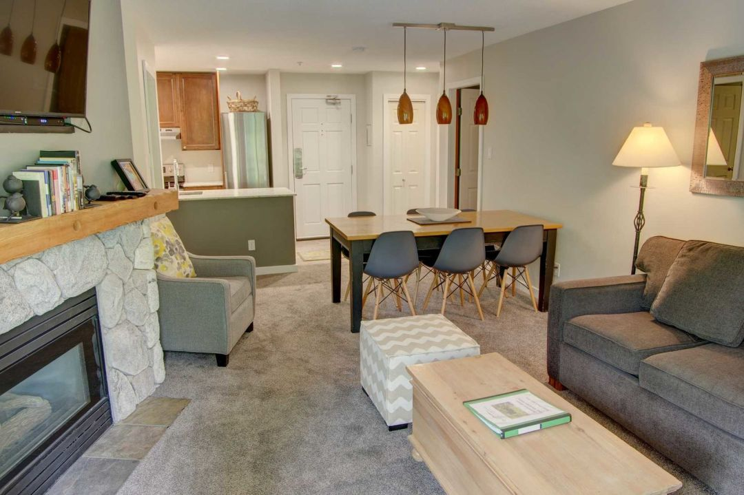 Aspens 2 Bedroom Unit 207 LR4