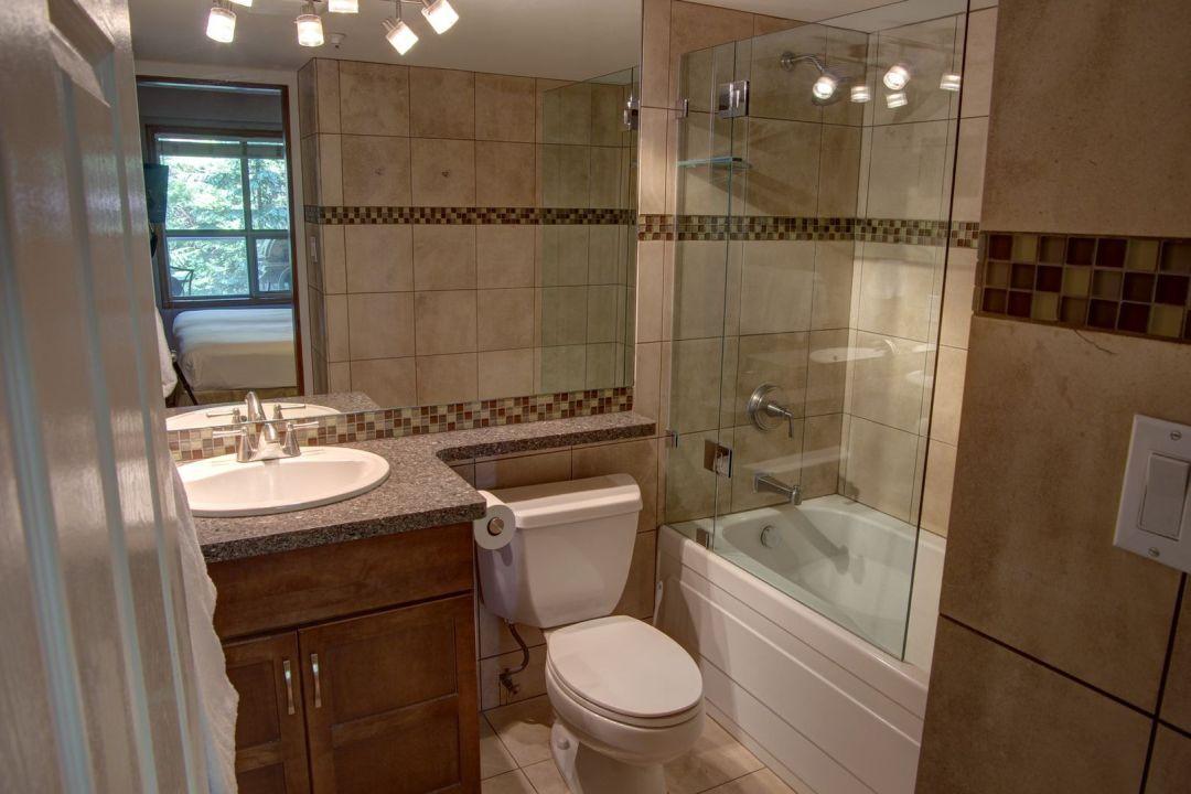 Aspens 2 Bedroom Unit 220 BATH