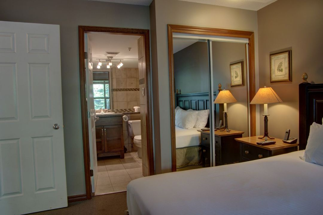 Aspens 2 Bedroom Unit 220 BR3