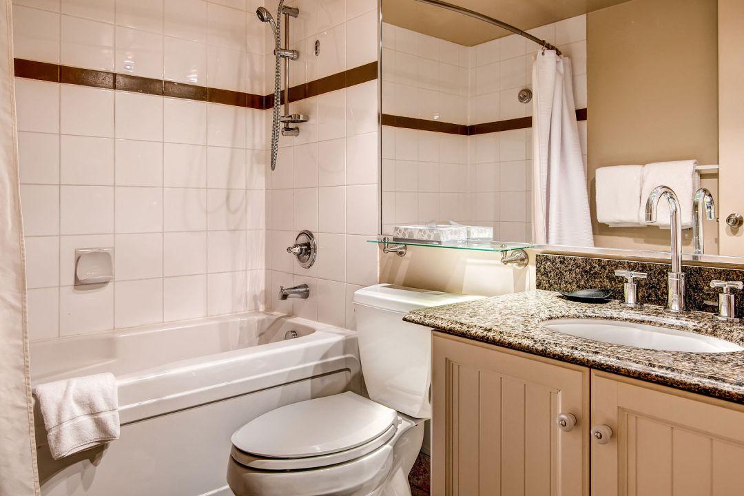 Aspens 2 Bedroom Unit 255 BATH