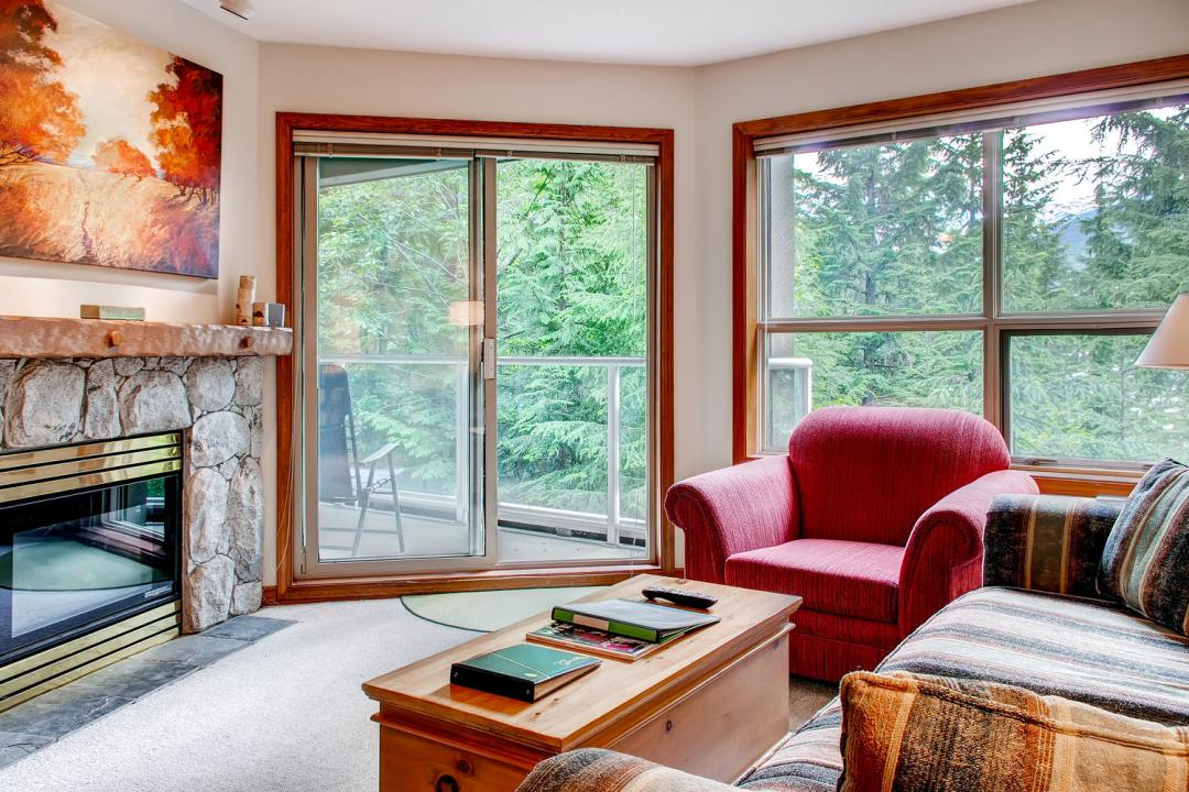 Aspens 1 Bedroom Unit 315 LR
