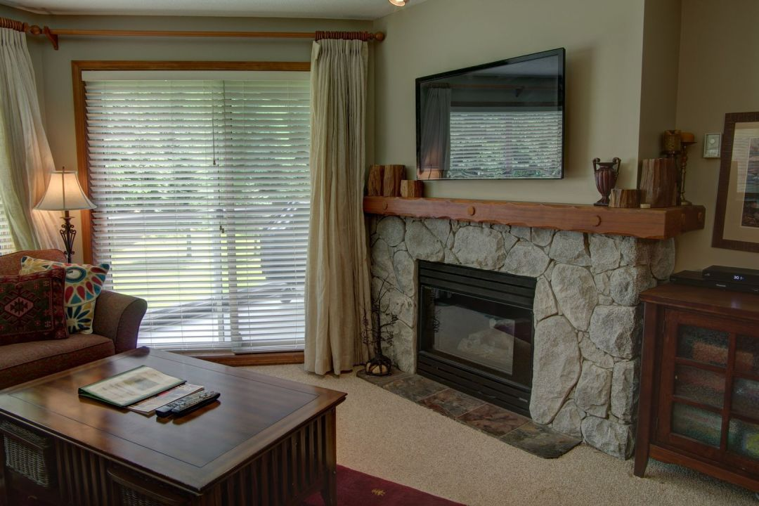 Aspens 2 Bedroom Unit 347 LR2