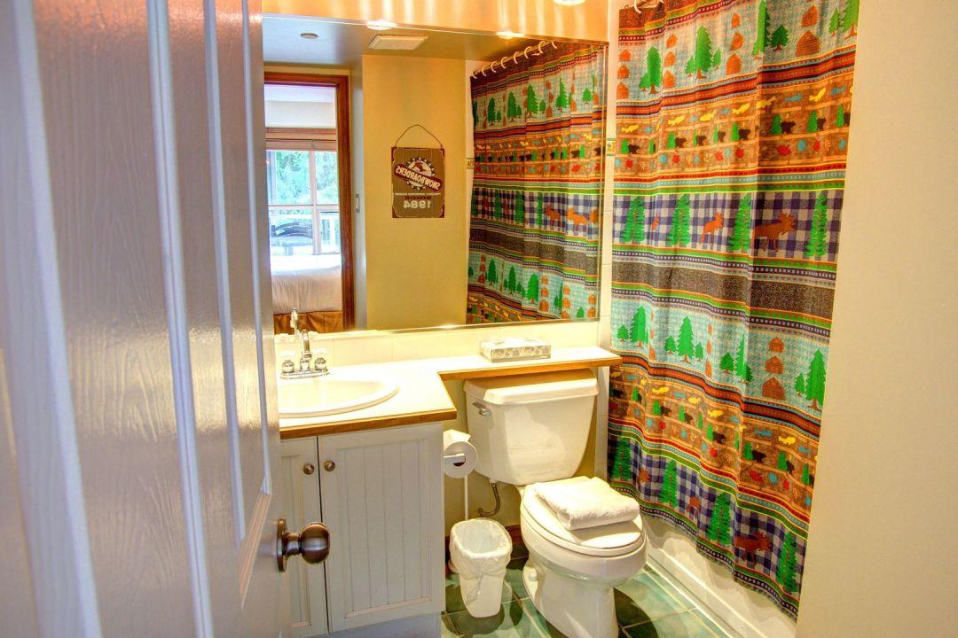 Aspens 2 Bedroom Unit 444 BATH2