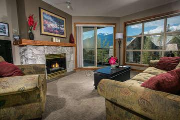 2 Bedroom Aspens Ski in Ski Out on Blackcomb #458
