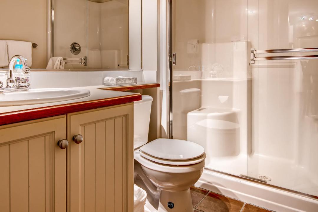 Aspens 2 Bedroom Unit 549 Bath2