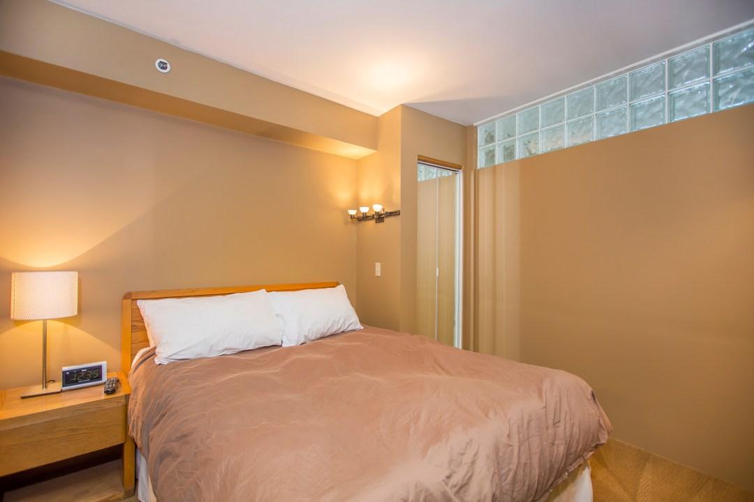 carleton-lodge-202-whistler-village-hotel-bedrom