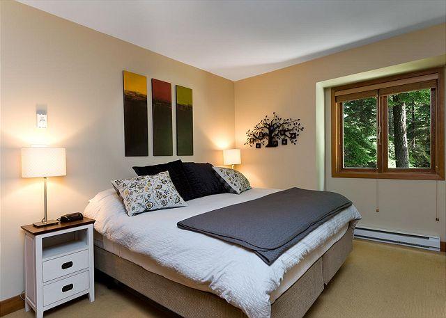 Cedar Hollow Whistler 8 Bedroom