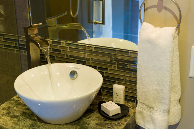 Cedar Ridge Whistler Ski In Ski Out Bathroom Sink