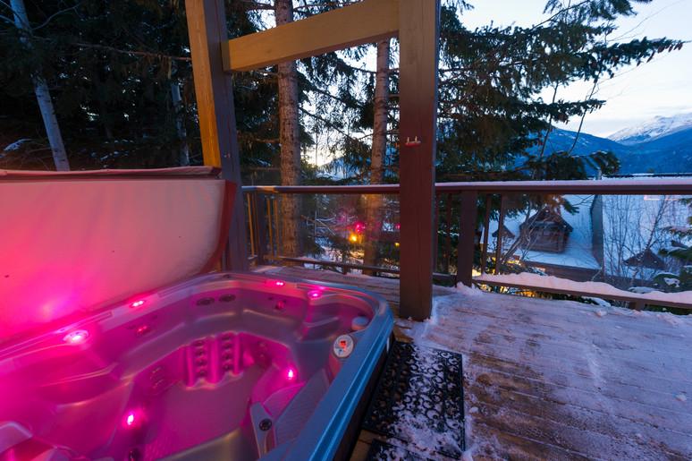 Cedar Ridge Whistler Ski In Ski Out Hot Tub