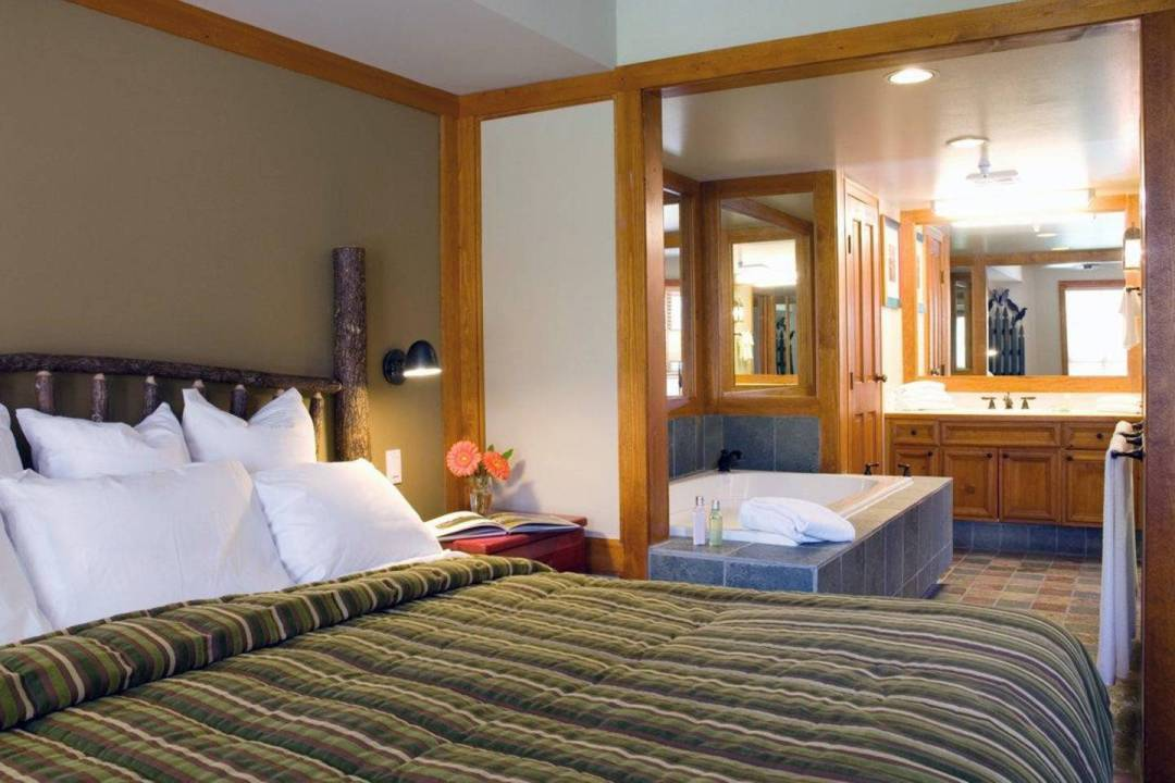 Club Intrawest Whistler Bedroom