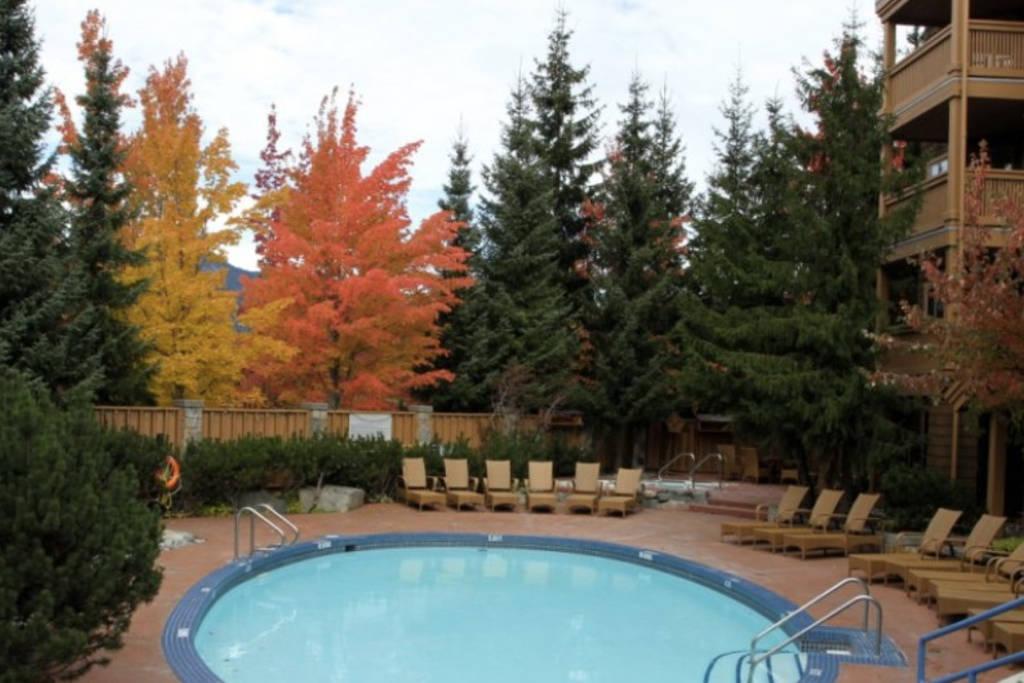 Club Intrawest Whistler Pool