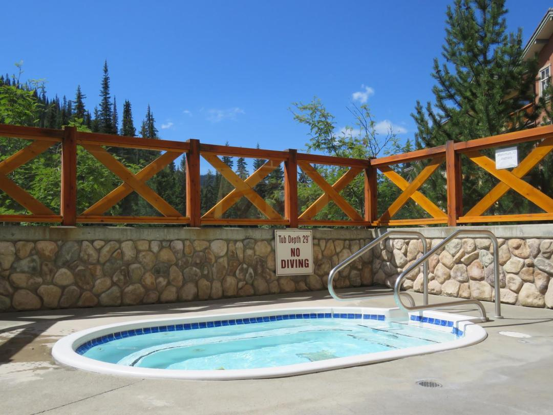 Fireside Lodge 2 Bedroom Unit #109 HT