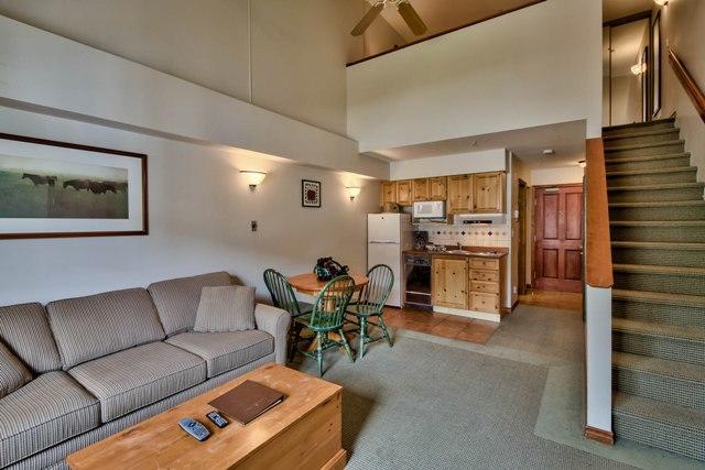 Hearthstone Lodge Lofted Studio King LR
