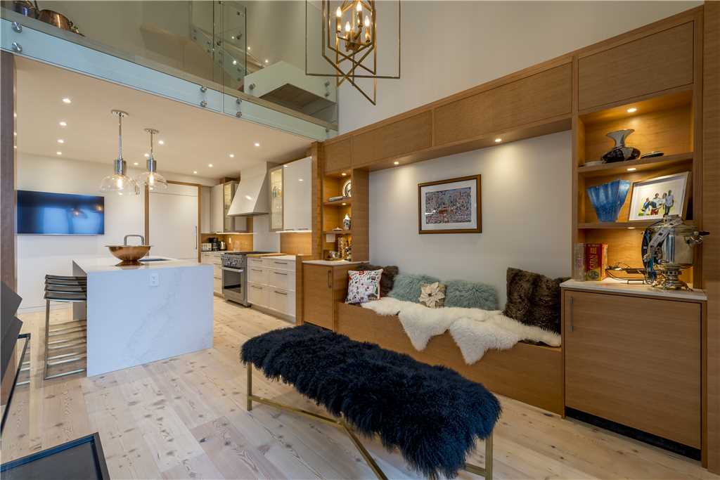 Whistler Ski In Ski Out Luxury Home Northern Lights 4 Bedroom