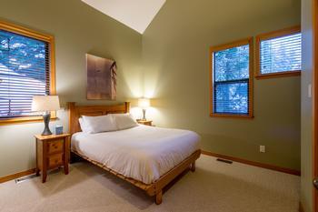 Northern Lights Whistler 5 Bedroom (12)