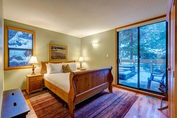 Northern Lights Whistler 5 Bedroom (15)