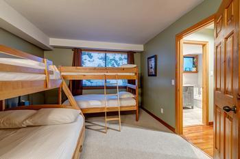 Northern Lights Whistler 5 Bedroom (16)