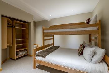Northern Lights Whistler 5 Bedroom (19)