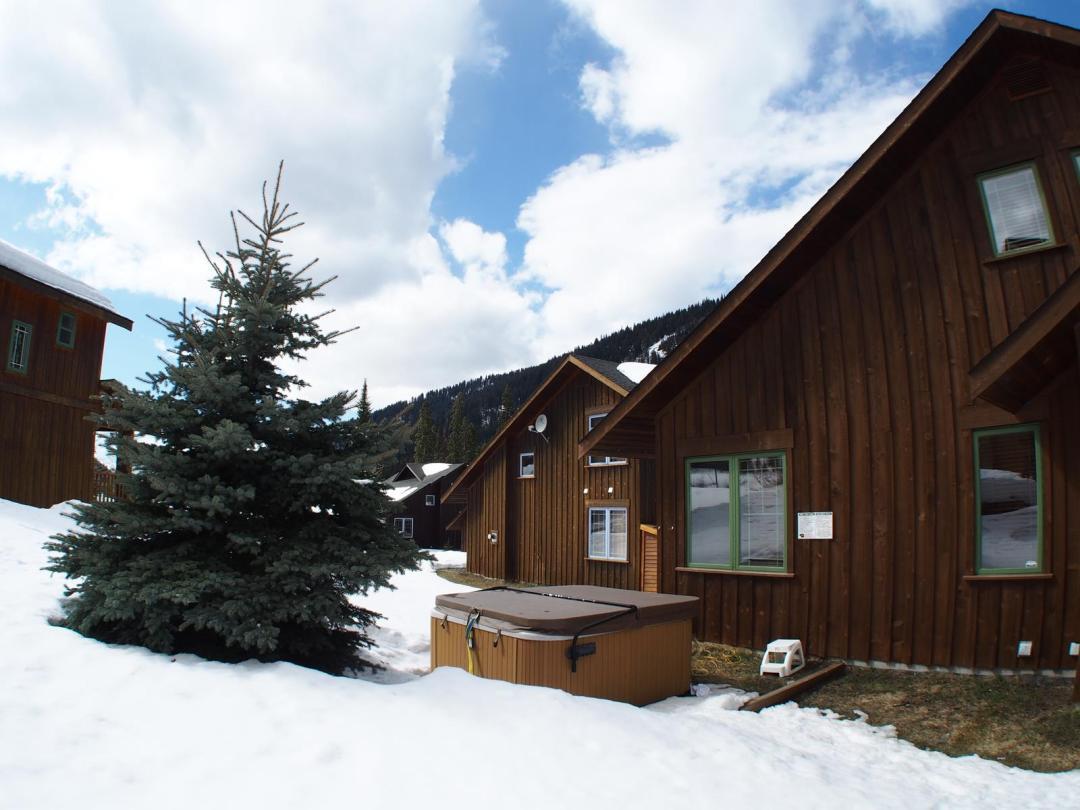 Fairways Cabin 4 Bedroom Unit #12 HT