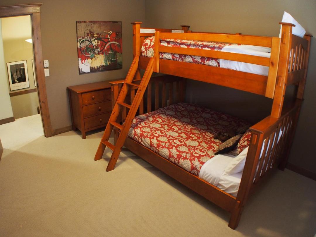 Bridge Gate 4 Bedroom Unit #9 BR
