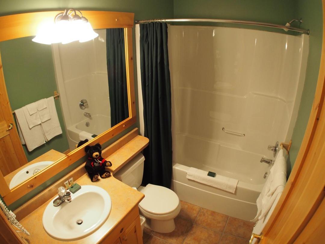 Crystal Forest 2 Bedroom Unit #4 Bath2