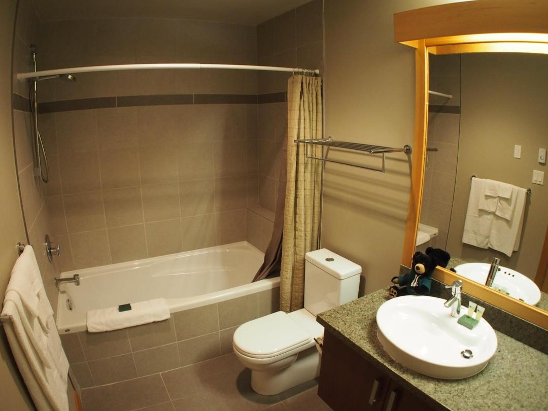 Kookaburra Lodge 2 Bedroom Unit #304 BATH