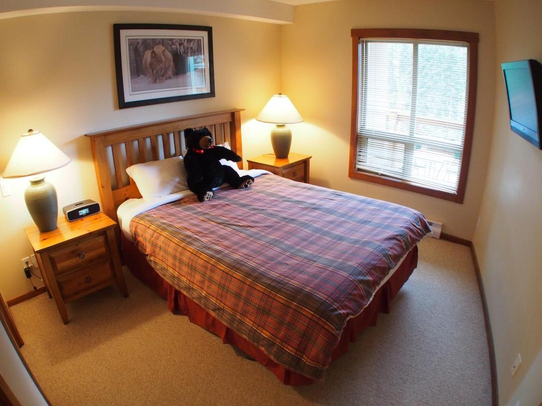 Fireside Lodge Two Bedroom Unit #302 BR