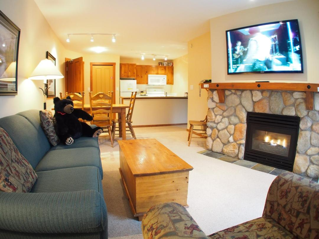 Fireside Lodge Two Bedroom Unit #302 LR