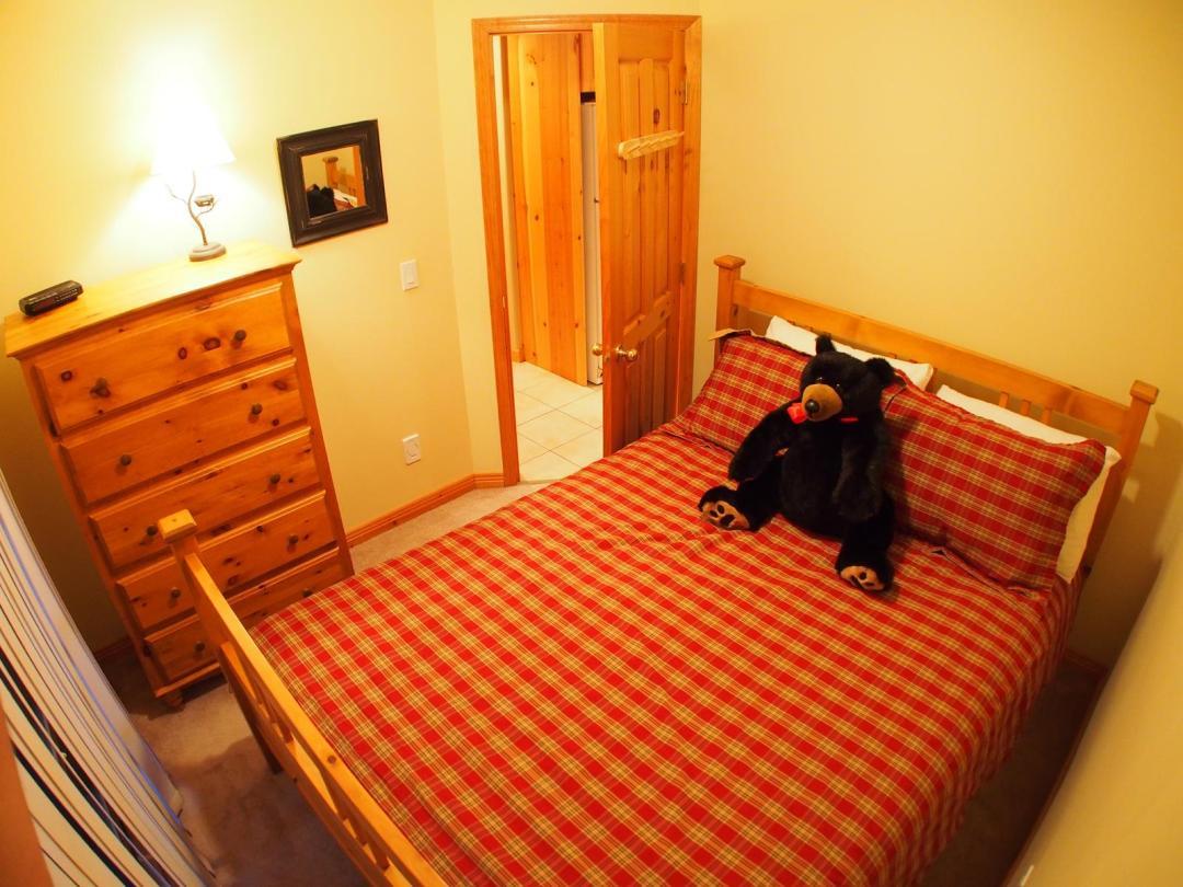 Snow Creek Village 4 Bedroom Unit #9 + Suite BR