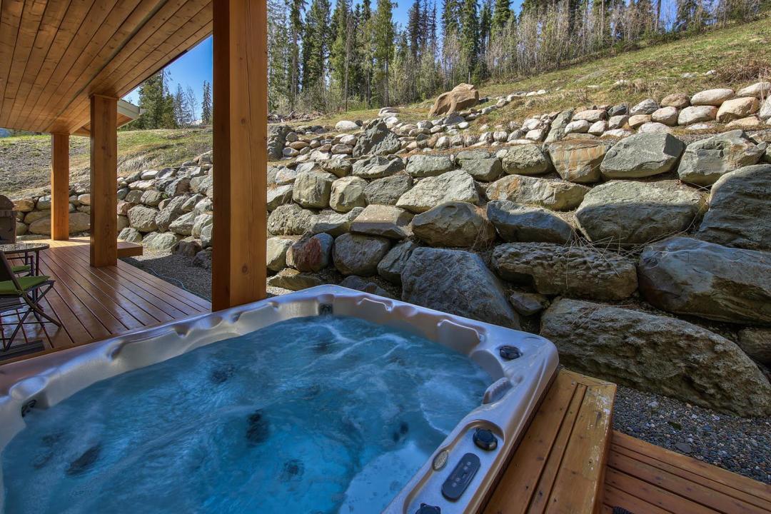 Peaks Retreat & Suite 5 Bedroom HT