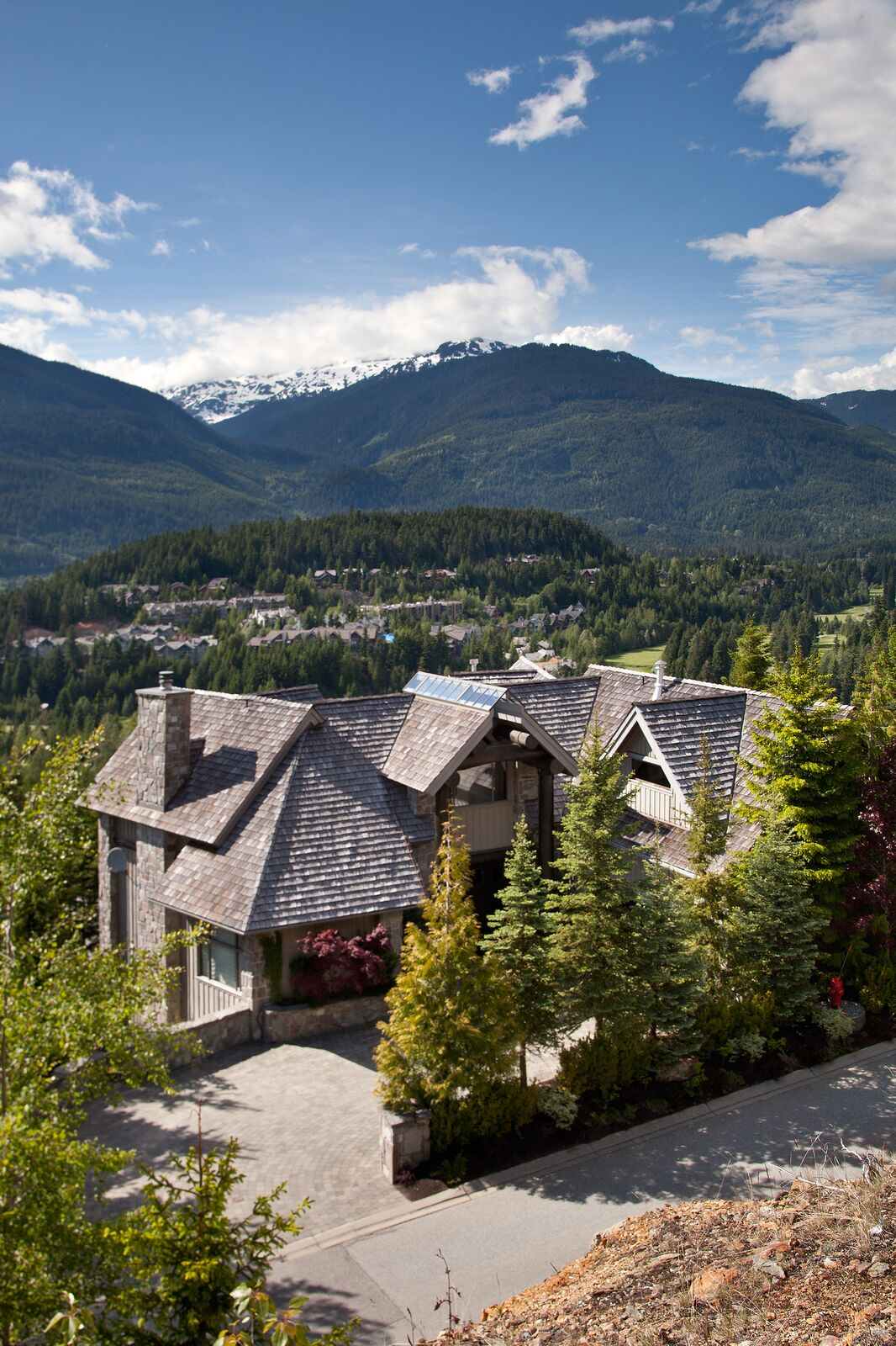 Sunridge 6 Bedroom Whistler Estate Exterior