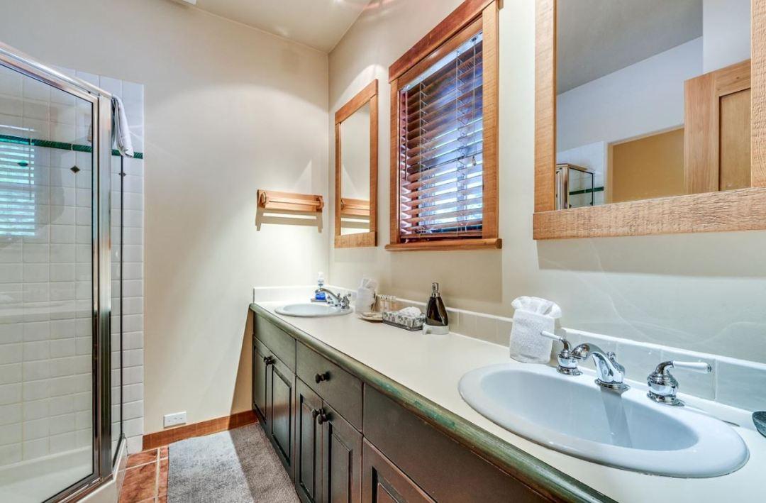 Taluswood Phase 1 3 Bedroom Unit 23 BATH