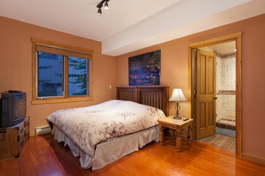 Taluswood The Ridge 14 Ski In Ski Out 6 Bedroom (17)