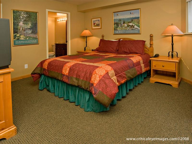 Whistler Village 4 Bedroom Valhalla (