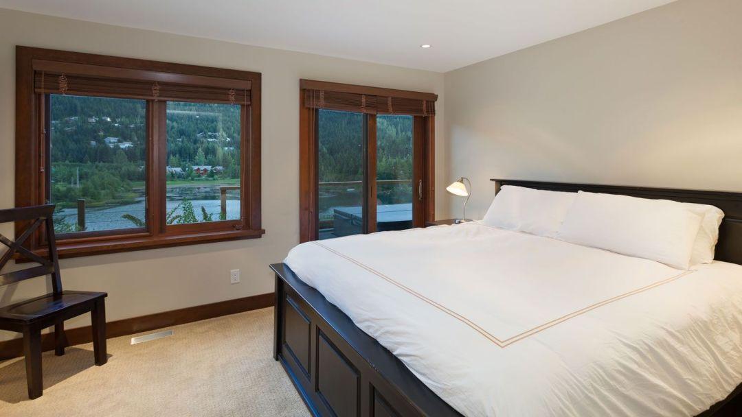 Whistler 8 Bedroom Rental Home King Room