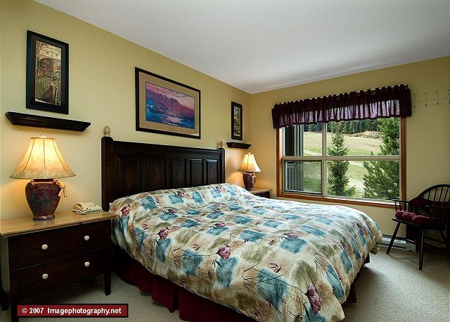 Whistler Accommodation Aspens on Blackcomb 355 Bedroom